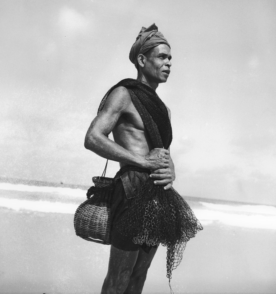 A fisherman at Bangtao, Phuket, circa 1962. Photo by Saengjun Limlohakul.