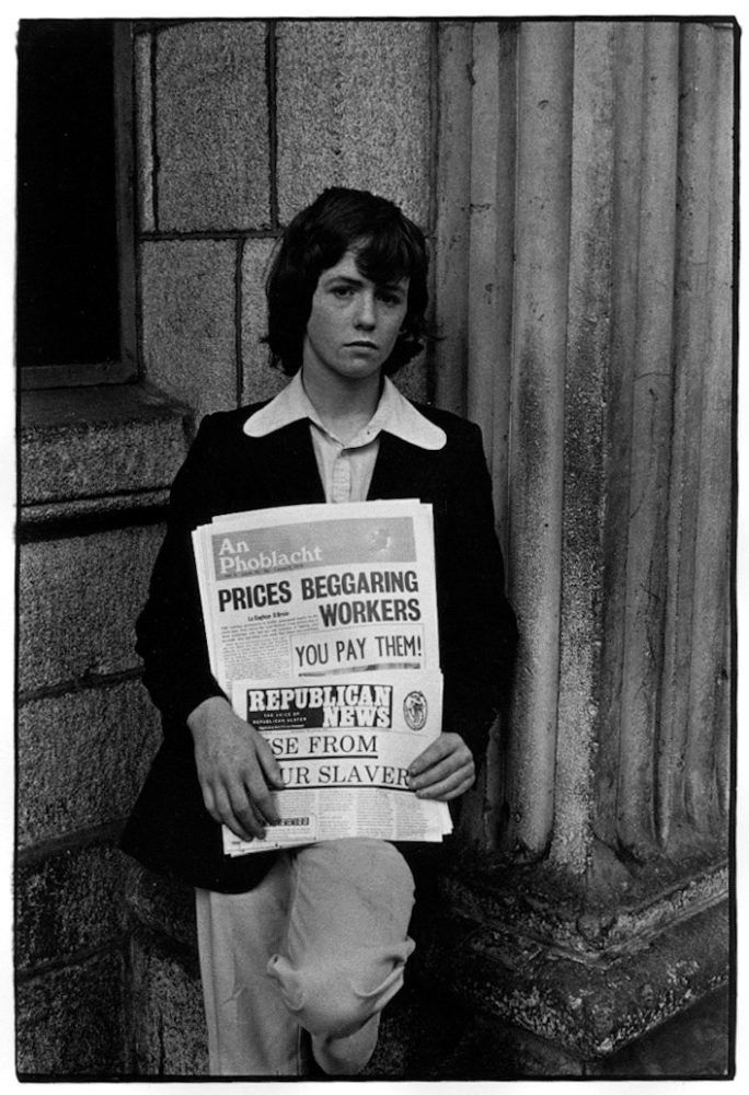 William Gedney, Boy selling newspapers, 1974