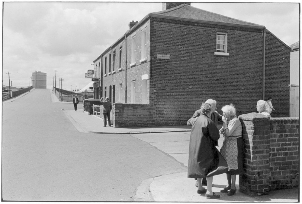 William Gedney, Elderly women and man on street, Dublin 1974